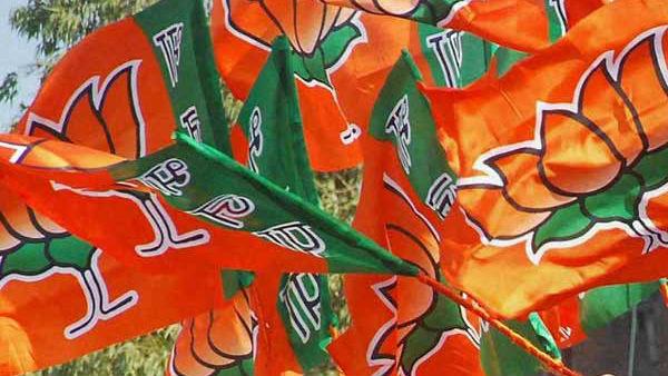 মেয়রের কাছে চা খেতে চাইলেন বিজেপি সাংসদ, রাজনৈতিক মহলে শোরগোল