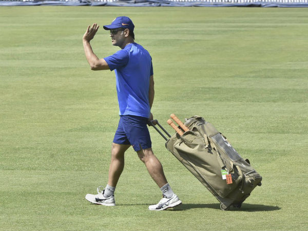 Will Ms Dhoni Announce His Retirement Soon What Renownd Astrologer Says