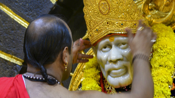 Shirdi Saibaba Temple Is Open Not Closing Informed The Temple Authorities