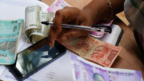 করোনার গুঁতোয় খাদের কিনারে জিডিপি! ২০২১-এ কি ঘুরে দাঁড়াবে ভারতীয় অর্থনীতি?