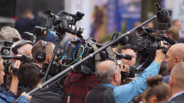 দেশের সঙ্গে বিশ্বাসঘাতকতা! চিনে গোপন তথ্য পাচারের অভিযোগে গ্রেফতার সাংবাদিক সহ ২