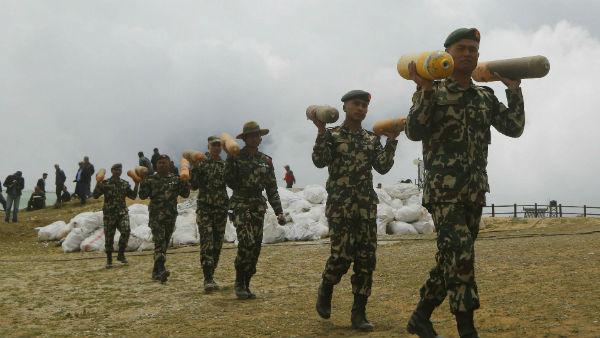 <strong>এবার বন্ধু নেপালের এলাকাও দখল করে নিচ্ছে চিন! ফের ভারতের শরণে আসবে ওলির দেশ?</strong>