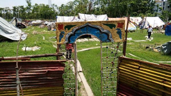 লকডাউনের জের, খেলা বাদ দিয়ে দিন মজুর, ড্রেন পরিষ্কারে সার্কাস শিল্পীরা
