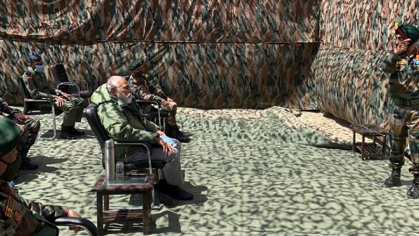 লাদাখ ইস্যুতে ফের কাছাকাছি সেনা-বিজেপি! মোদীর লেহ সফরের প্রশংসায় পঞ্চমুখ শিবসেনা নেত্রী