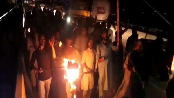 চিনের বিরুদ্ধে ক্রুদ্ধ খোদ পাকিস্তানি জনতা! করোনা আবহেই রাস্তায় নেমে বিক্ষোভ অধিকৃত কাশ্মীরে