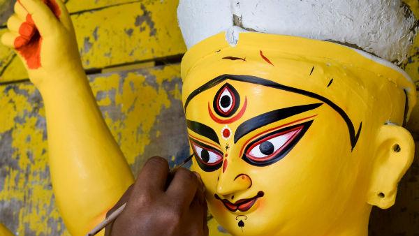করোনাসুর বধ এবার নাগের বাজারের তেলিপুকুর যুবক সঙ্ঘের থিম