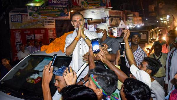 আবেগ বিহ্বল চিরাগ পাসোয়ান, ভোটের ময়দানে রামবিলাসের বিয়োগের ফায়াদা তুলে প্রচার