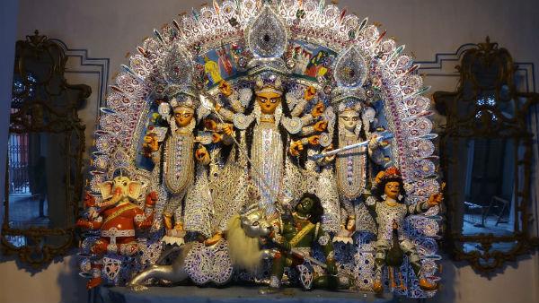 মহাসপ্তমীতে শুনশান শোভাবাজার রাজবাড়ি, নির্জনতা সঙ্গী করেই নব পত্রিকা স্নান