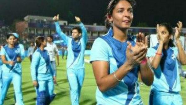 এক বছর পর আন্তর্জাতিক ক্রিকেটে ফিরেই হরমনপ্রীতের নয়া নজির
