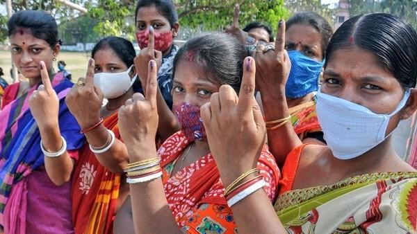 পঞ্চম দফার ভোট মিটতেই উত্তেজনা বসিরহাটের মিনাখাঁ ও হিঙ্গলগঞ্জে