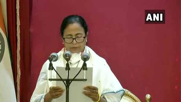 'নয়া বিধায়ক পরিবার'-এর সঙ্গে বৈঠক করেন মমতা