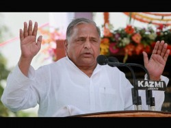 Mulayam Singh Anti English Statement Not Practical