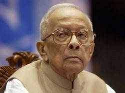 Rajiv Twice Asked Jyoti Basu To Become Pm Says Book