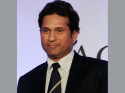 Mps Queued Up For Sachin Tendulkars Autograph