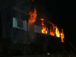 Killed As Mumbai Dehradun Express Catches Fire In Thane