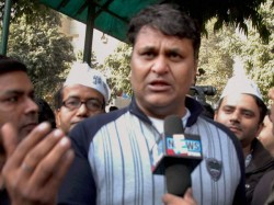 Expelled From Aap Vinod Binny To Protest Against Kejriwal Today