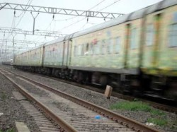 Close Shave For New Delhi Howrah Duronto Express