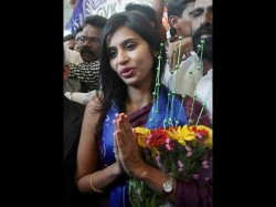 Us Court Dismisses Charges Against Devyani Khobragade