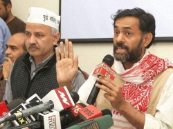 Dissents Grows In Aap As Manish Sisodia Slams Yogendra Yadav