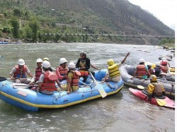 Engineering Students From Hyderabad Feared Drowned In Beas River In Hp