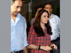 Preity Zinta Gives Cops Pictures Of Bruised Arm