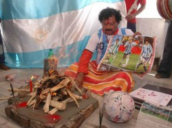 World Cup Kolkata Fans Perform Yagna Pray Argentina S Victory