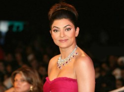 Sushmita Sen Make Bengali Debut With Nirbaak