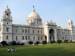 Kolkatas Icon Victoria Memorial Corroding Slowly Due To Air Pollution