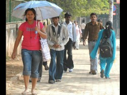 Khap Panchayat In Up Bans Jeans Mobile Phones For Unmarried Girls