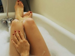 Muslim Cleric Permits Spying On Bathing Woman Issues Fatwa