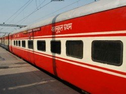Cockroach Found In Food Of Rajdhani Express Again