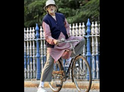 Amitabh Bachchan Cycles Down Kolkata Street And Memory Lane For Piku