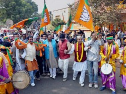 Shattered Congress Still Mocks Bjp Saffron Leaders Hits Back