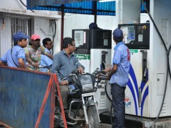 Price Of Crude Oil Falls Further Petrol Diesel To Be More Cheaper In Domestic Market