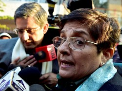 Kiran Bedi In Tears Says She Feels Delhi S Love Will Return It