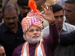 Do Not Embarrass Modi Make Balanced Statements Says Vhp