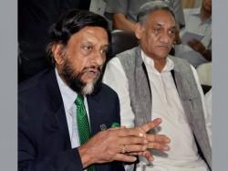 Pachauri Steps Down As Ipcc Chief