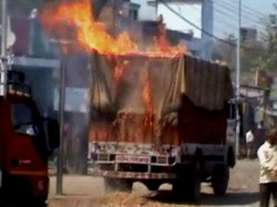 Rival Factions Of Tmc Clash In Howrah Resort To Violence