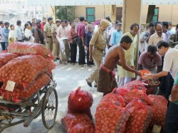 Tmc Shouting Over Gajendra Singh Death What About Potato Farmers Death In Bengal