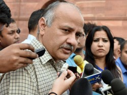 Another Trouble For Aap Manish Sisodia S Degree Too Comes Under Scanner