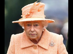 Omg Queen Elizabeth May Have To Leave Buckingham Palace
