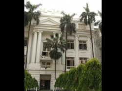 Calcutta University Vice Chancellor Manhandled By Members Of Tmc Student Wing