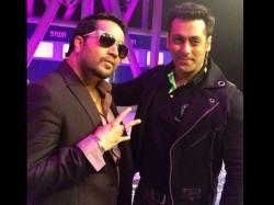 Did Mika Steal Bajrangi Bhaijaan Eid Song From Salman