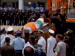 Former President Abp Abdul Kalam S Body Brought To Delhi Pm Pays Tributes