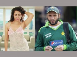 Indian Actress Model Arshi Khan Pakistan Cricketer Shahid Afridi Radhe Maa Godman