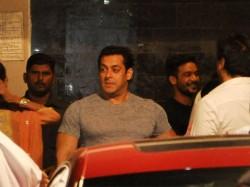 Bollywood Celebs At Salman Khan Ganesh Pooja