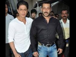 Shahrukh Khan Tops 2015 Forbes India Celebrity 100 List Beats Salman