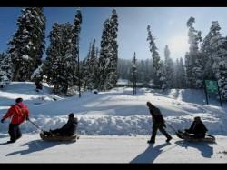 Seasons Coldest Night In Srinagar