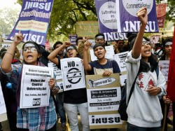 Jnu Campus Row 7 Detained By Delhi Police