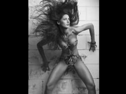 Nargis Fakhri Share Weird Bikini Pictures
